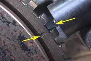 Метки на шкиве коленвала